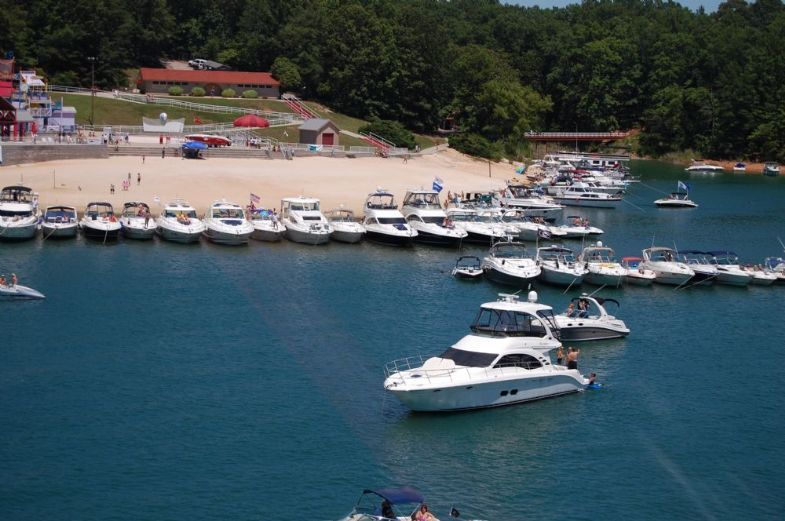 Aquapalooza on lake lanier lake lanier event for Lake lanier fishing spots